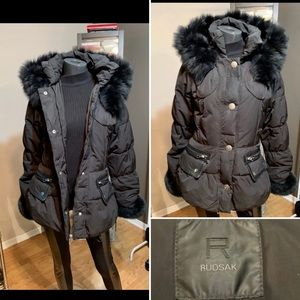 ❌SALE❌RUDSAK❌GREAT CONDITION LEATHER/DOWN FEATHERS